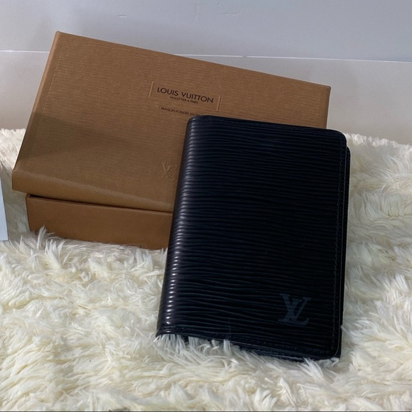 ❌SOLD❌ Authentic Louis Vuitton Epi Black Card Hold